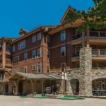 Catamount Lodge Snowcapped Travel
